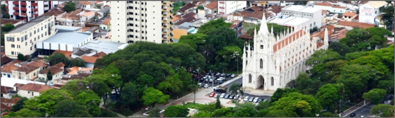 vista aérea da praça Santa Teresinha
